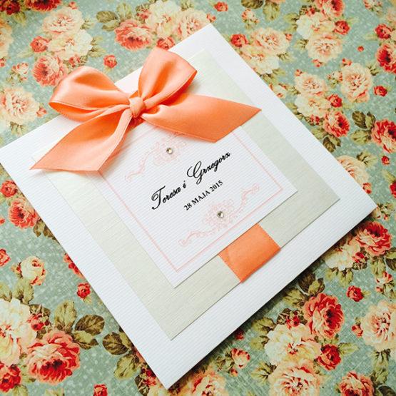 Zaproszenie Bagatel z wklejoną kokardą – pomarańczowy