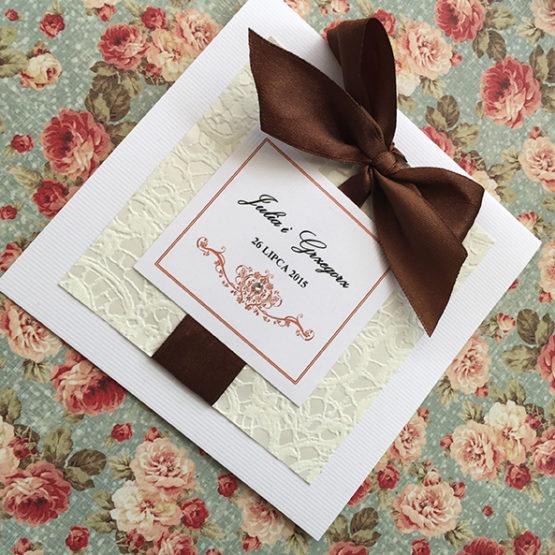 Zaproszenie Belmonte z kokardą wklejaną – brązowy