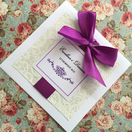 Zaproszenie Belmonte z kokardą wklejaną – fioletowy